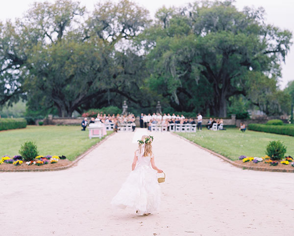 Charleston Wedding Photographers Virgil Bunao A New England Style Boone Hall Plantation Spring Wedding
